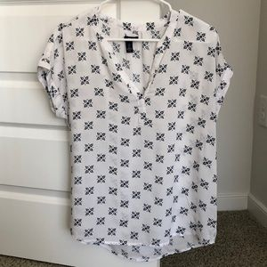 Gap patterned blouse. Size S. Worn once